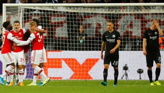 Arsenal beats Eintracht Frankfurt as academy graduates impress